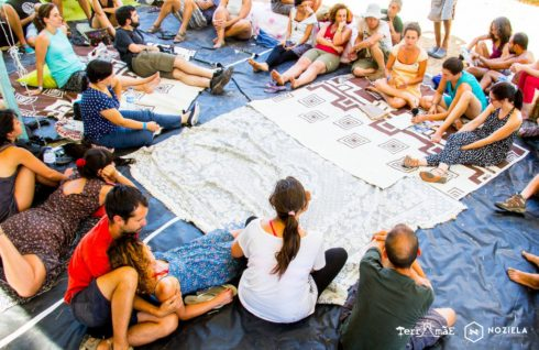 Apresentação e debate no Eco-Festival Terra Mãe em Fafe, Julho de 2016. Foto: Progeto Aparte